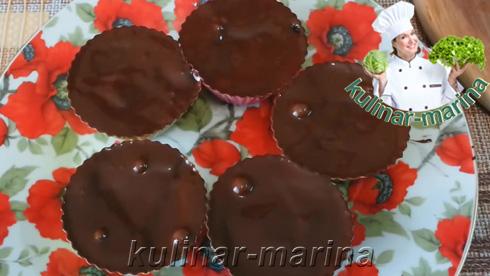 Смазать сверху растопленным шоколадом