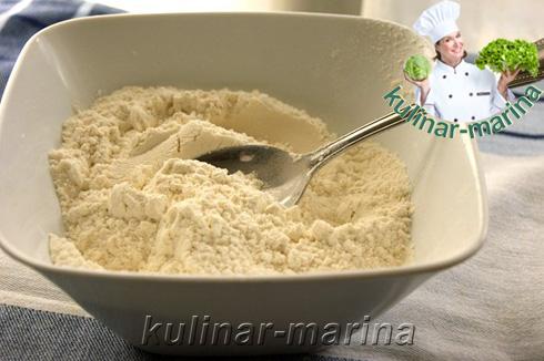 Рецепт с пошаговыми фотографиями и подробным описанием: Кекс на кефире с курагой | Cupcake on yogurt with dried apricots