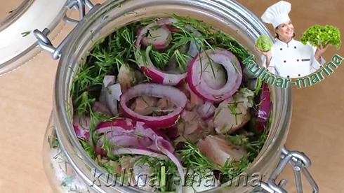 Подробный рецепт с пошаговыми фотографиями: Сельдь в томатном маринаде - вот так все должно выглядеть перед заливкой