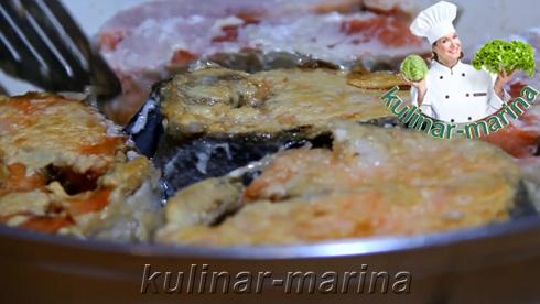 Обжарить каждый кусочек рыбы на сковородке с растительным маслом до золотистой корочки