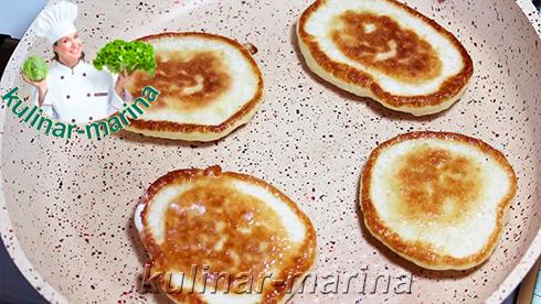 Пошаговый подробный рецепт с фотографиями каждого этапа: Пышные оладьи на воде и без яиц | Fluffy pancakes on the water and without eggs